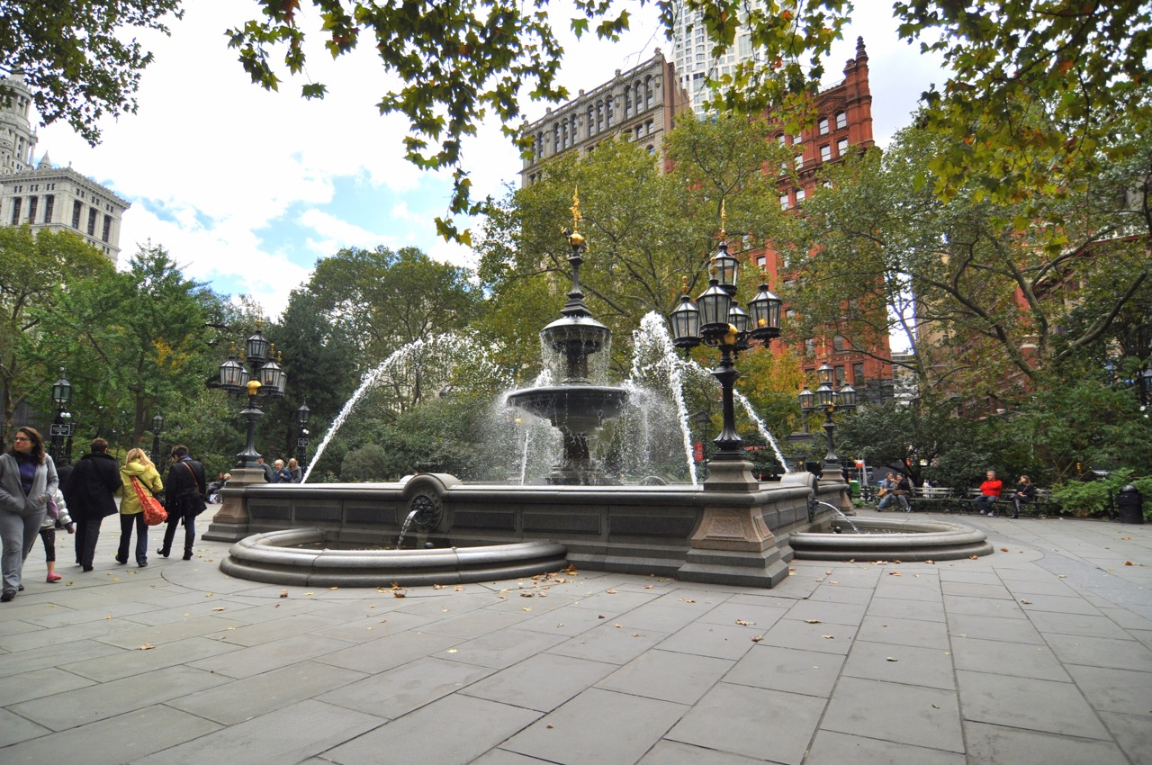 La fontaine du City Hall Park de New York