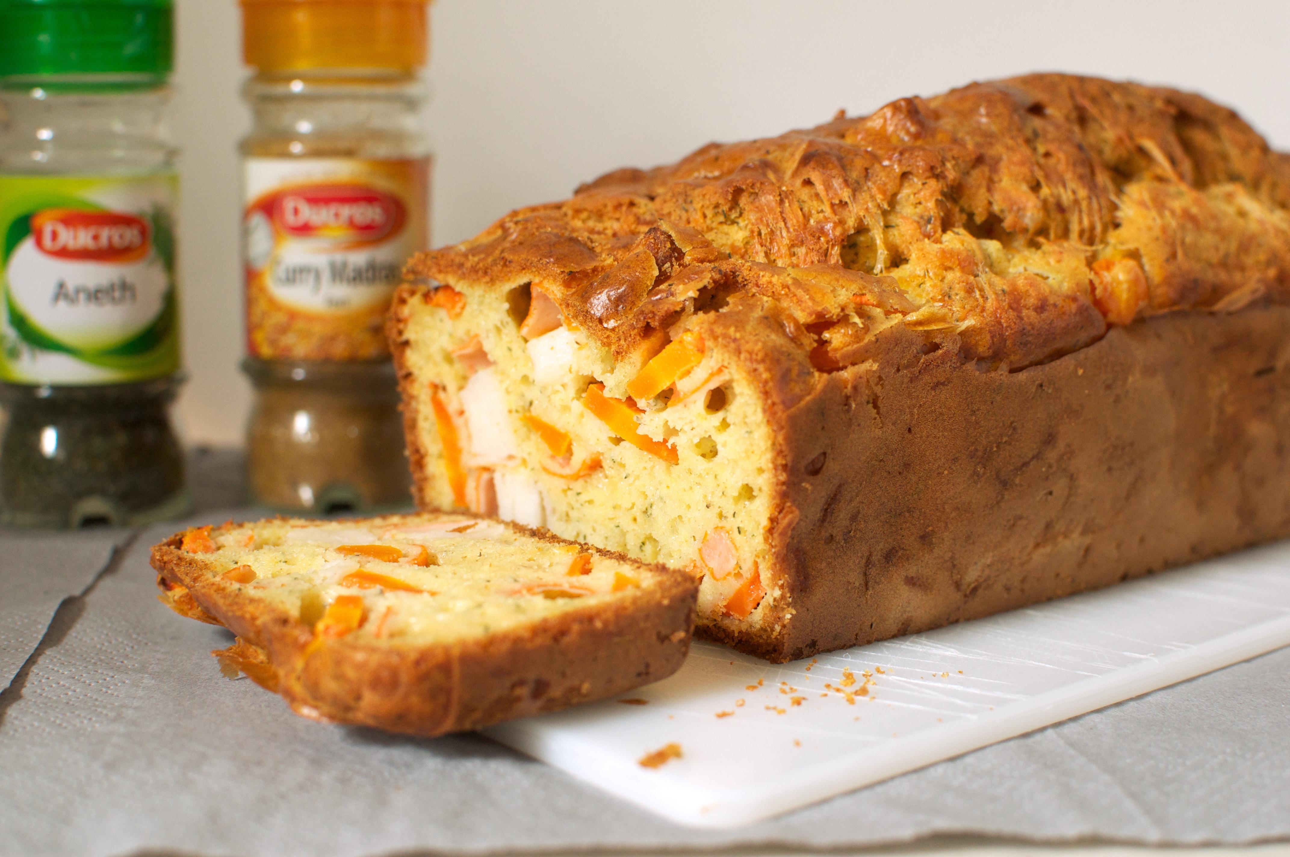 Cake au surimi, aux carottes et au curry