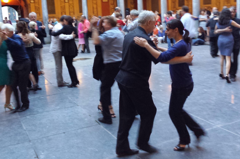 Danse dans la vieille bourse de Lille